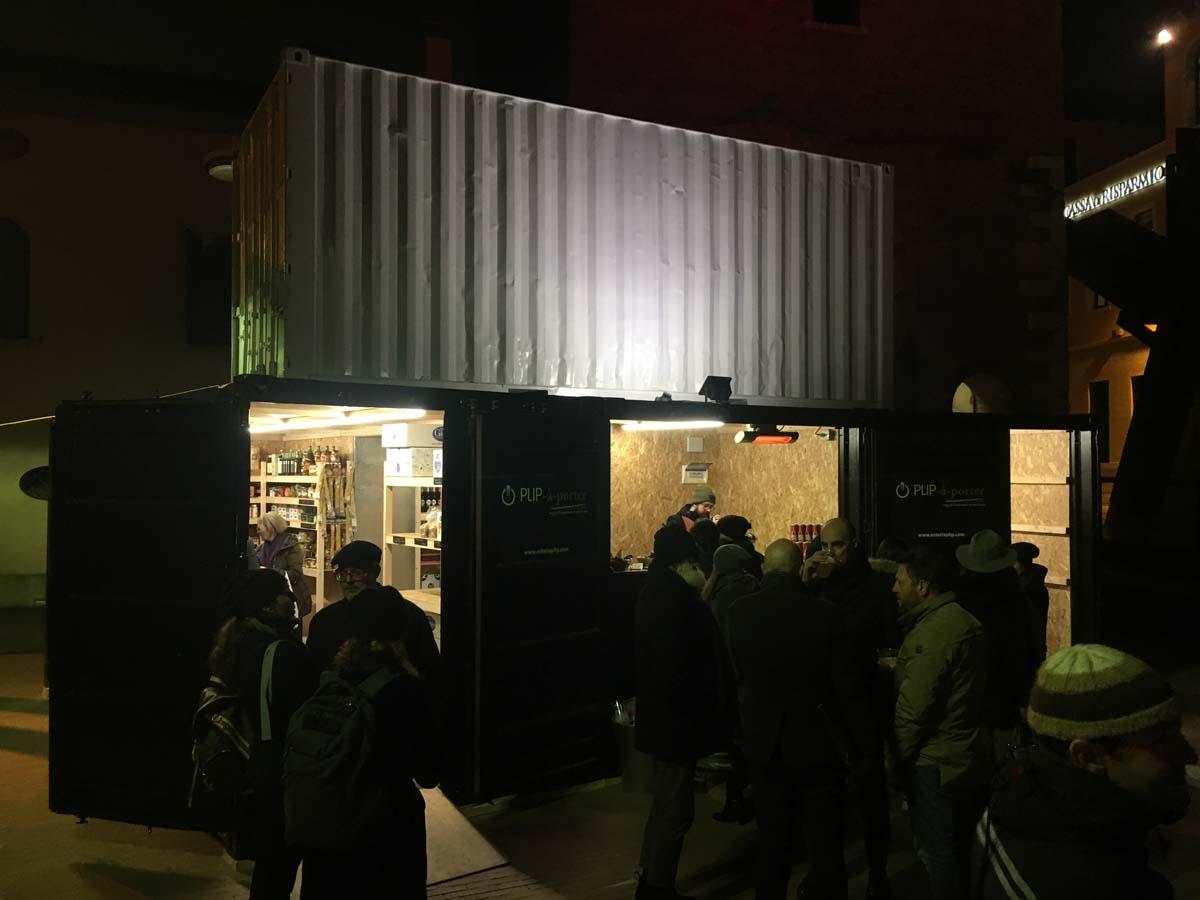 Allestimento temporary food store PLIP-à-porter Mestre 2016